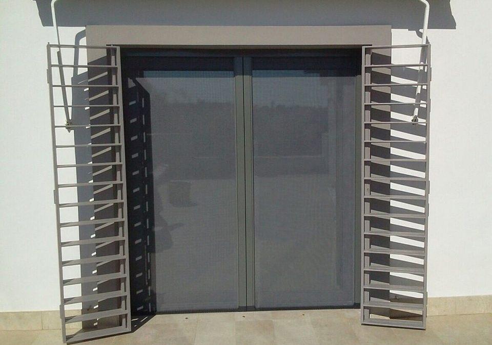 Rejas de seguridad para puertas en granada alumavel - Puertas de reja ...