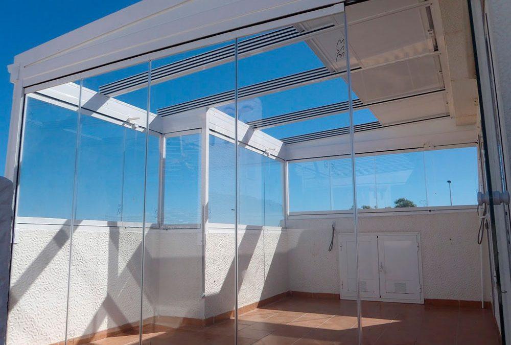 Techo móvil acristalado en Alicante